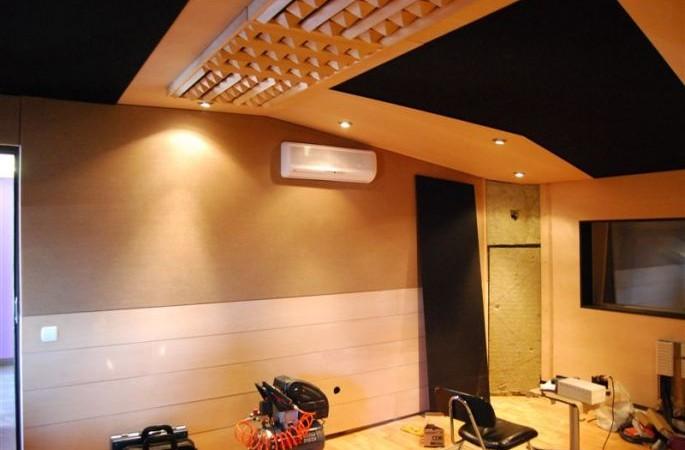 Crossover studio.JPG_685